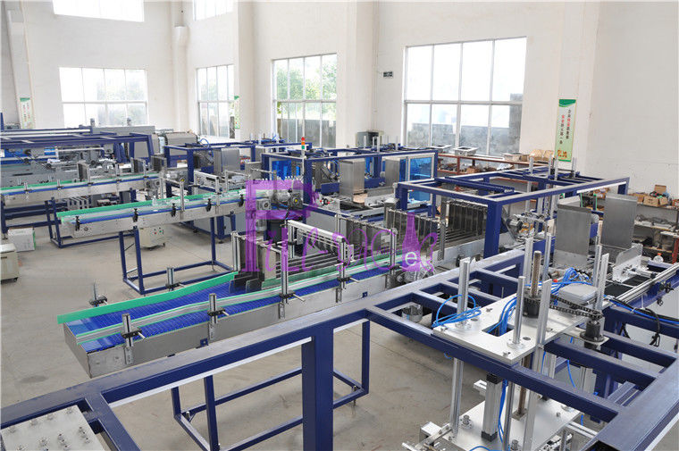 Hot Melting Glue Machine Water Bottle Packaging Machine For Beverage Industry